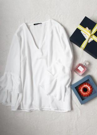 Супер блуза с рукавами воланами от gina tricot