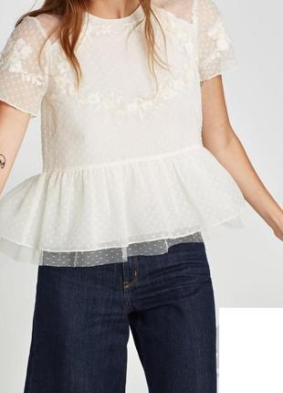 Блуза молочная с вышивкой zara