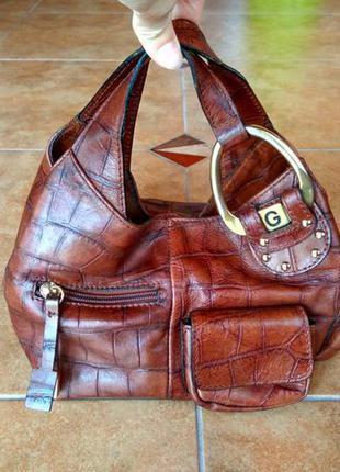 Стильная  интересная сумочка 100%кожа.