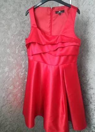 Очень красивое праздничное платье celyn b (elisabetta franchi)1 фото
