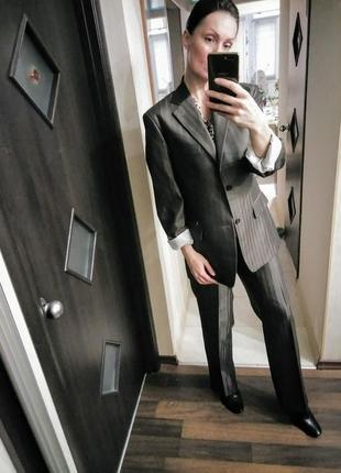 Брутальный деловой костюм бойфренд