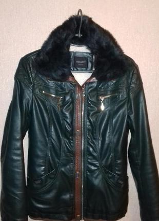 Отличная куртка из кожзама