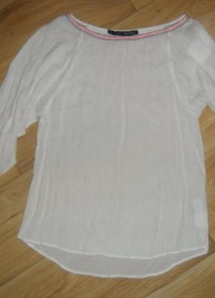 Блуза с вышивкой zara