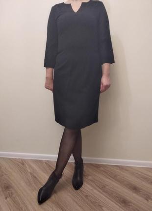 Красивое черное платье для офиса