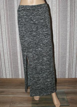 Теплая меланжевая юбка с разрезом по ноге