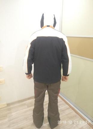 Горнолыжная курточка((зима))размер наш 48-50