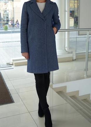 Пальто демисезонное шерстяное на кнопках с английским воротником