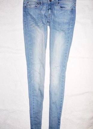 Голубые джинсы скини ( skinny levis ,levi's левайсы)