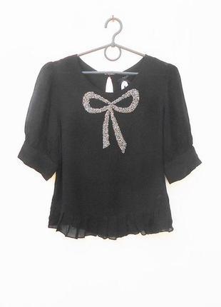 Черная  нарядная neлетняя свободная блузка из вискозы украшена бисером