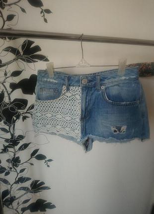 Стильные короткие шорты