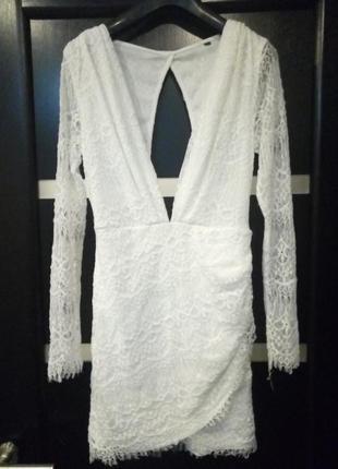 Белое вечернее новогоднее свадебное гипюровое кружевное короткое платье с открытой спиной