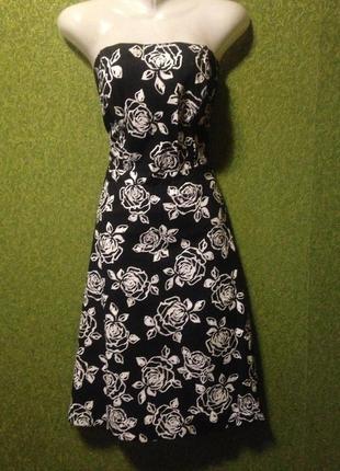 Корсетное чёрное платье , белый цветочный принт