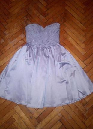 Очаровательное платье к новогоднему празднику