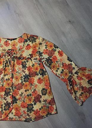 Блуза на шнуровке zara