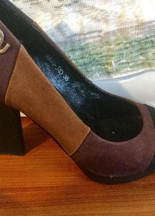 Кожаные туфли на 38