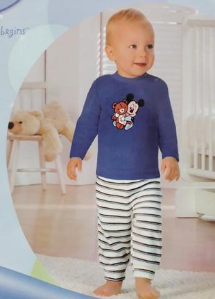 Чудесный теплый костюм пижама для мальчика минни маус от disney р. 74-80