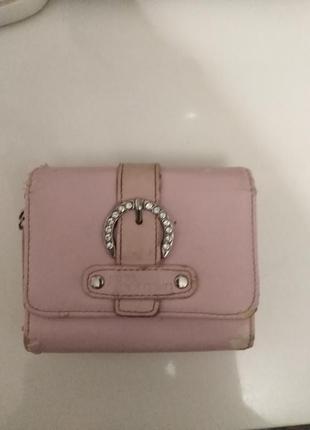 Розовый кошелёк.