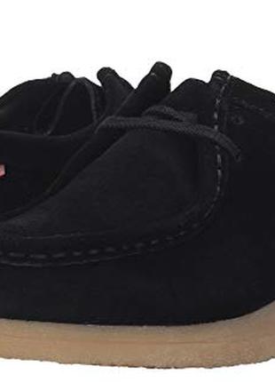 Новые фирменные замш черные суперлегкие ботинки clarks