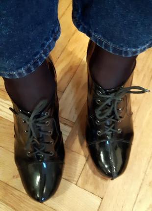 Лаковые ботинки на каблуке paolo conte