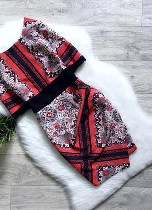 Платье на запах с плотной ткани