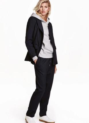 Шикарний костюм в полоску h&m темно синій тренд 2019