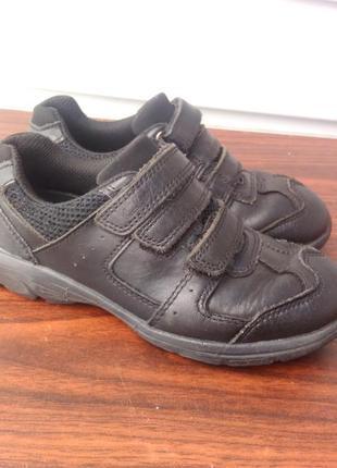 Кожаные кроссовки clarks,размер 28-й...