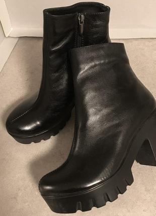 Зимние ботинки из натуральной кожи