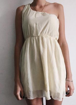 Платье на одно плечико от missguided