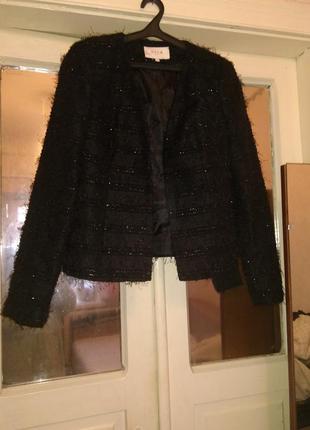 Красивый жакет пиджак