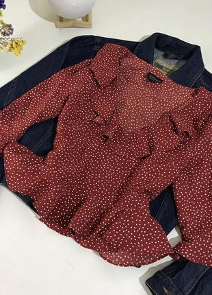 Блуза с рюшей в горох