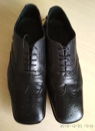 Мужские туфли итальянского бренда miu miu