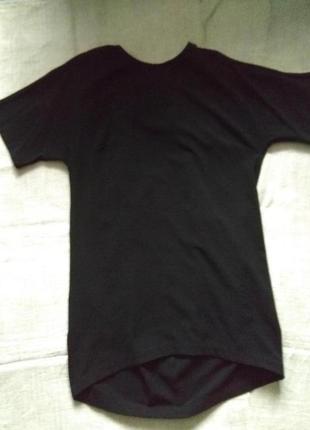 Чорне плаття з відкритою спинкою