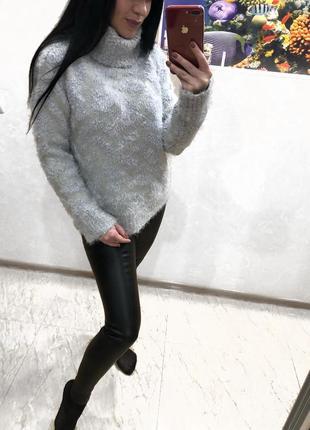Пушистый обьемный свитер гольф травка zara