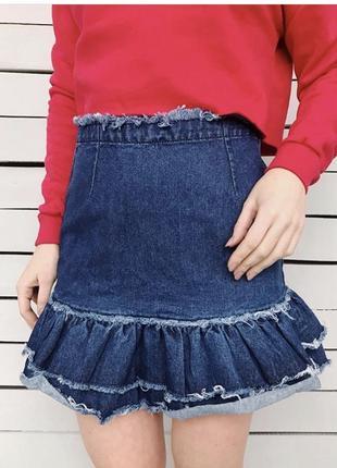 Джинсовая юбка с рюшем и колечком new look