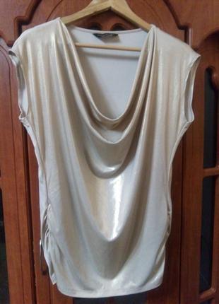 Красива нарядна блуза