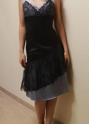 Вечернее праздничное платье атласное с гипюром