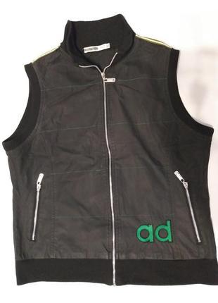 Черная жилетка adidas