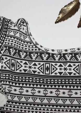 Платье с орнаментами, на бирке 11лет - смотрите замеры2 фото