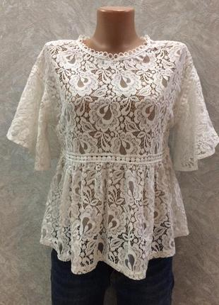 Блуза гипюровая с воланами