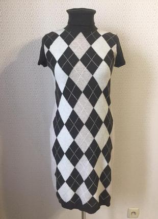 Теплое платье короткий рукав размер l от известного добротного бренда benetton
