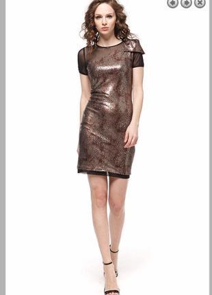 Платье новогоднее с леопардовым принтом в пайетки