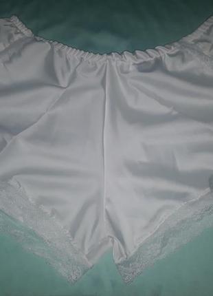 Шорты пижамные белые и красные 46-48р