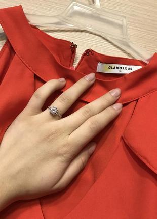 Блуза оранжевая с открытыми плечами2 фото