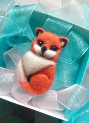 Войлочная брошь лисичка лиса валяная брошь лисица ручная работа сухое валяние