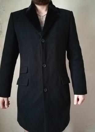 Зимнее качественное пальто