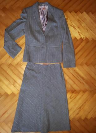 Элегантный шерстяной костюм от monsoon! верх-38, низ-36