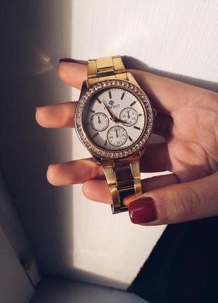 Шикарные часы по приятной цене2 фото
