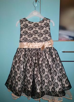 Нарядное платье для девочки gloria jeans