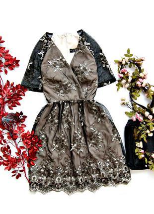 Нереальное платье с золотой вышивкой