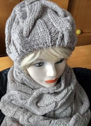 Комплект шапка вязаная косами женская теплая и длинный снуд зима